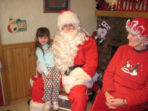 Zoe, Santa and Mrs. Claus